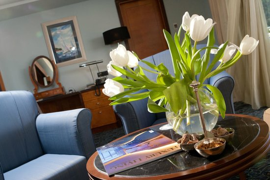 Hotel More: Deluxe suite interior
