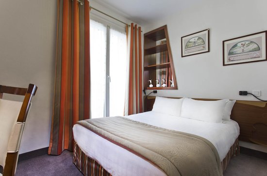 Grand Hotel des Balcons: Double Bedroom