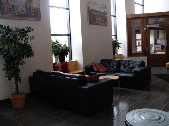 Belfast International Youth Hostel : Recepcao