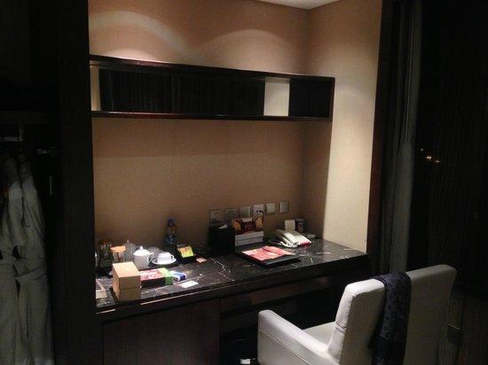 Yohol Hotel : Business desk
