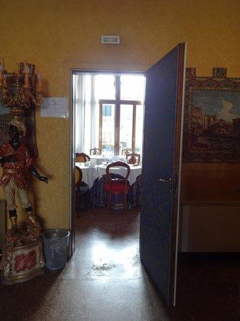 Residenza Ruga Giuffa: salle du petit déjeuner