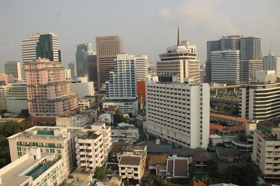 Bandara Suites Silom, Bangkok : View from room on 21st floor