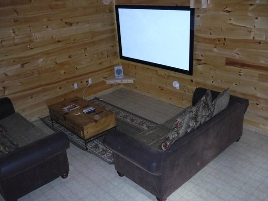 My Cabin Vacation: Downstairs Family Room with Big Screen