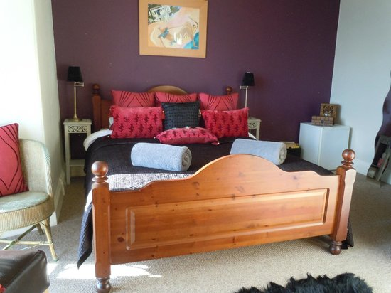 Seaforth B&B: Room 1 Seaview room with kingsize bed and private bathroom.
