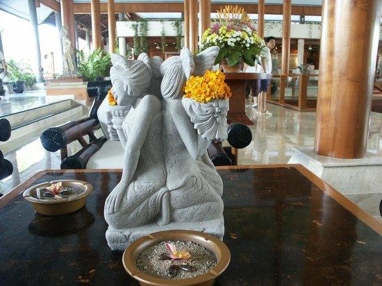 Melia Bali: Hotel lobby
