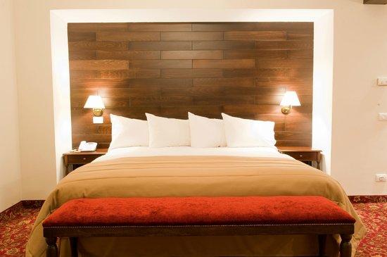 Printania Palace: Suite Bedroom