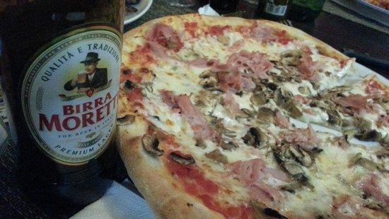 Pizza Sarno: pizza del menú