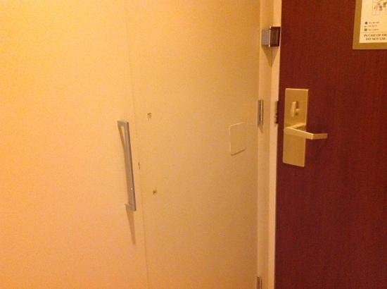 Hilton Boston Downtown / Faneuil Hall: surely you don't need a doorhandle?
