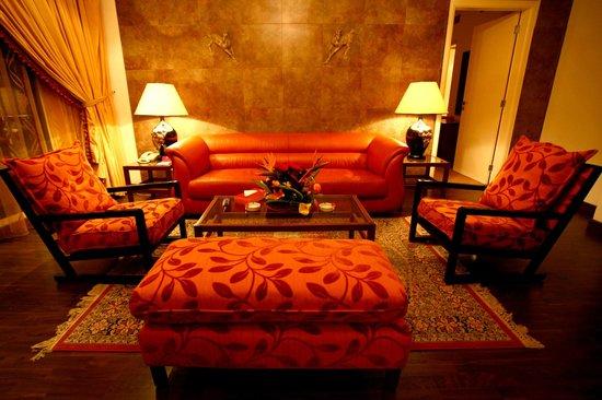 Markazia Suites: 3 Bedroom Suite living room