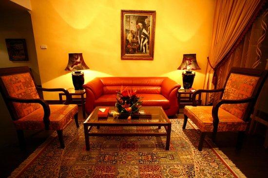Markazia Suites: 2 Bedroom Suite Living Room