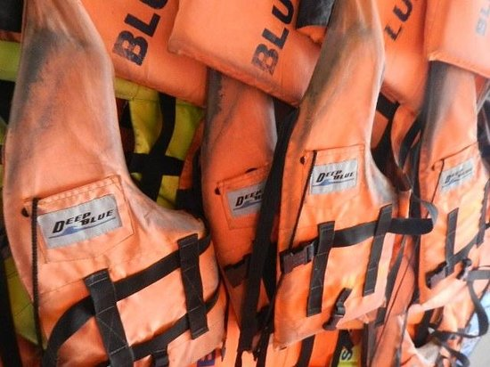 Blue Stars Kayaking : Lifejackets onboard
