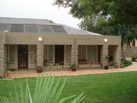 Sonyador Guesthouse: Rooms & Garden
