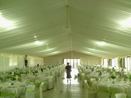 Newcastle, Sydafrika: Lotus Hall prepared for a wedding