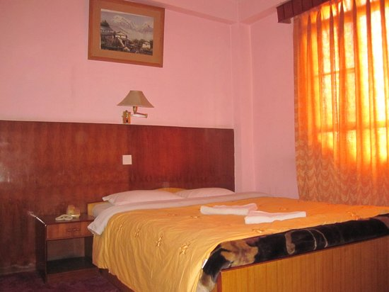 Tasi Dhargey Inn : Suite large bed room