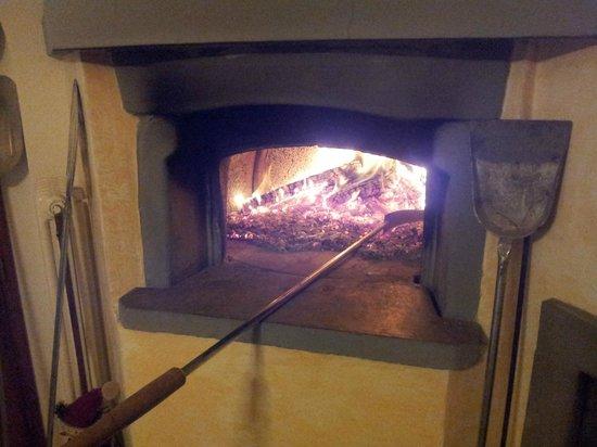 I'Poggiolo Di San Miniato: forno a legna