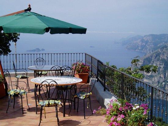 Villa Casola : Main Terrace