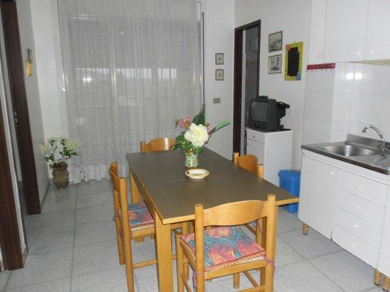 cucina con veranda trivani - Picture of Bouganville, Sciacca ...