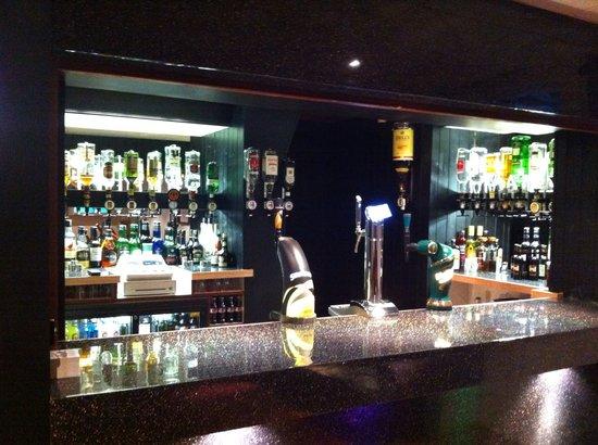 Helmshore Hotel: Bar