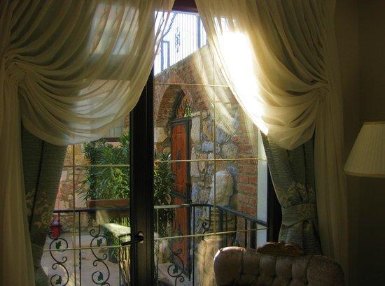 Saint John Hotel: Rom mot bassengområdet 1. etg