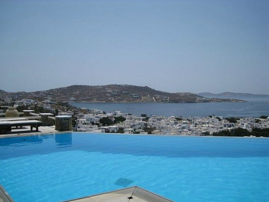 Vencia Hotel: View from the pool
