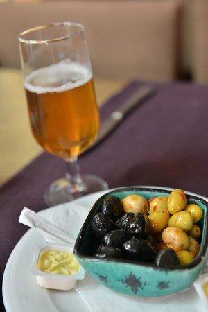 Hotel Timoulay & Spa Agadir: Maroccan olive..Yummy!!