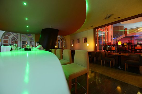Hotel Timoulay & Spa Agadir: Timoulay Bar- free wifi - live music
