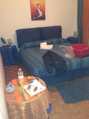 Alex e Angie: Vista de la habitación individual