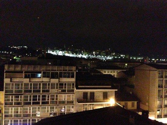 Alex e Angie: Vista de la Città Alta desde el balcón