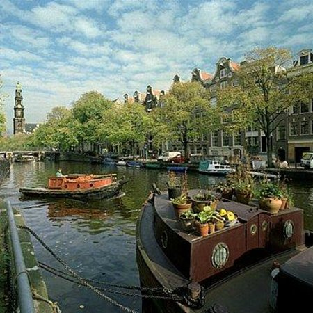 The Prinsen Boat: Outside on The Prinsengracht (canal)