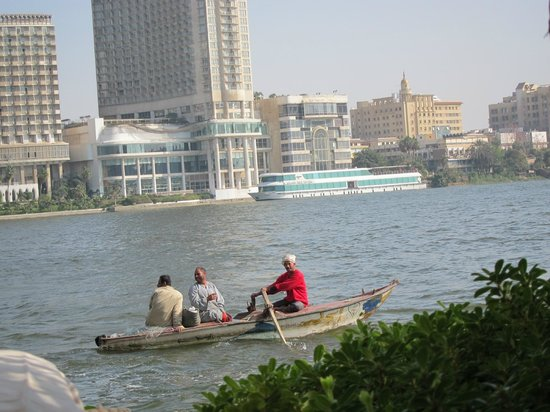 Sofitel Cairo El Gezirah: Fishermen on the Nile