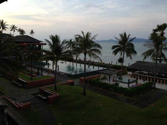 Hansar Samui Resort: view of the pool area from my room