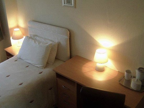 The Swiss Cottage: SeaView Single Room 6