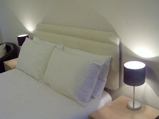The Swiss Cottage: Ground Floor Double bed