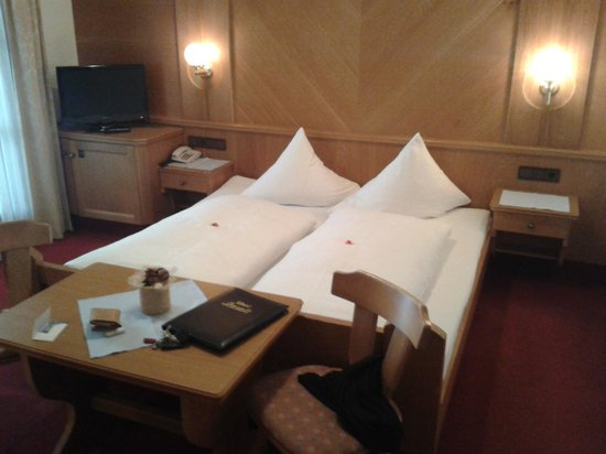 Hotel Garni Lasalt : Doppelbett