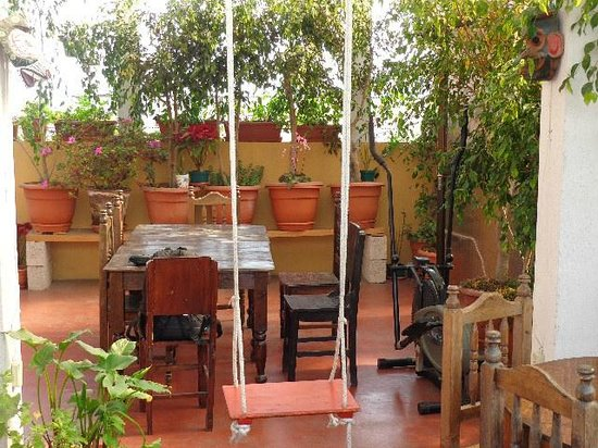 Casa San Bartolome: Cute swing in common area