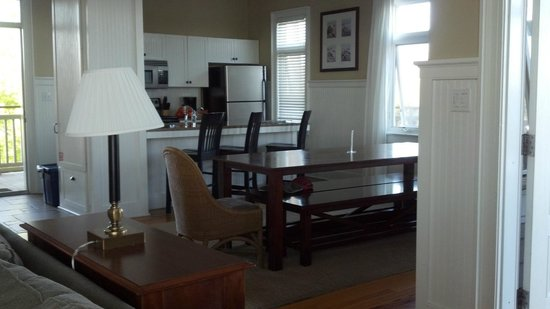 Gulf State Park Campground: Nice Family Dining Table And Full Kitchen