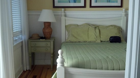 Gulf State Park Campground: Three bedrooms all with queen bed