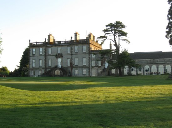 Dalmahoy Hotel & Country Club: The picturesque Dalmahoy Hotel