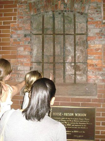 Ghosts, Murders and Mayhem Walking Tours of New York City: Police Plaza, NYC