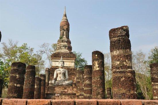 Wat Trapang Ngoen: The surroundings