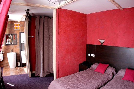 Hotel Restaurant de la Basilique : ch sup Hotel Basilique Paray le Monial
