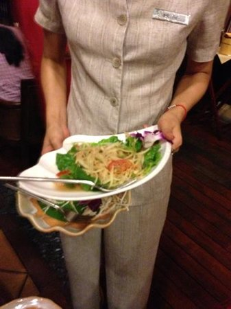 HongShuLin DuJia Hotel Thai Restaurant : not fresh papaya salad, manager try to bring it back.... no comment