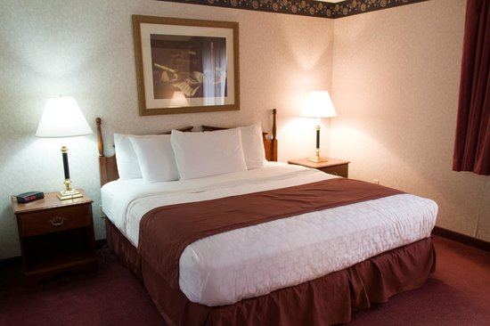 Guesthouse Inn & Suites Sioux Falls: Non Smoking King Suite