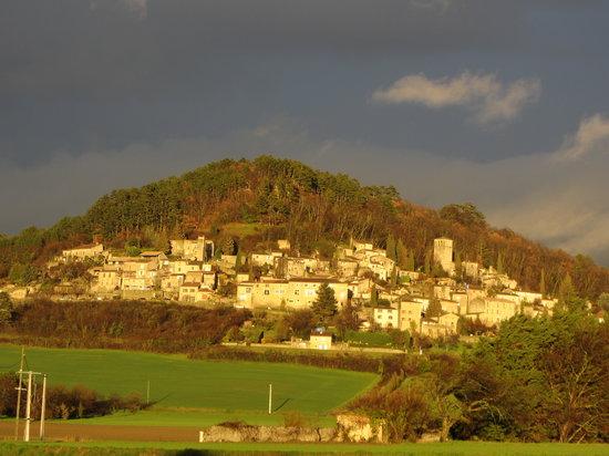 La Piverdiere : Lumière sur Chateauneuf de Mazenc