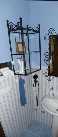 Malaga Lodge: Badezimmer mit Dusche