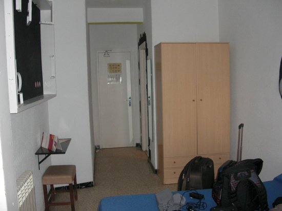 Esmeralda Beach Hotel: Entrada habitación
