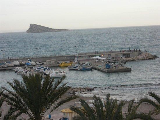 Esmeralda Beach Hotel: Vistas al puerto