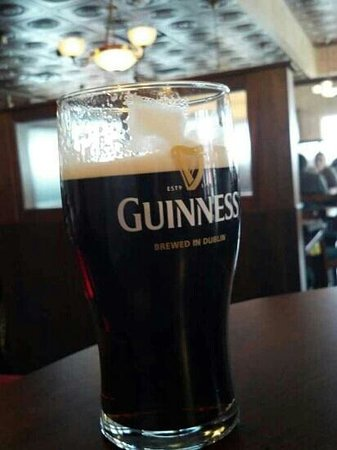 Irish Pub & Sports Grill: Black and Tan!