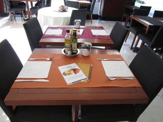 Silken St. Gervasi Hotel: Mesas restaurante