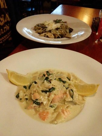 Mandragora: Salmon noodels, Mushroom noodles